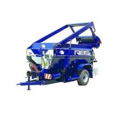 Miešací kŕmny voz s jednou horizontálnou závitovkou Ermes VX a MX